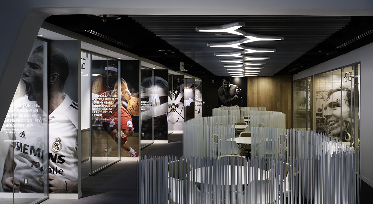Garde adidas adidas japan headquarter office for Japanese office interior design